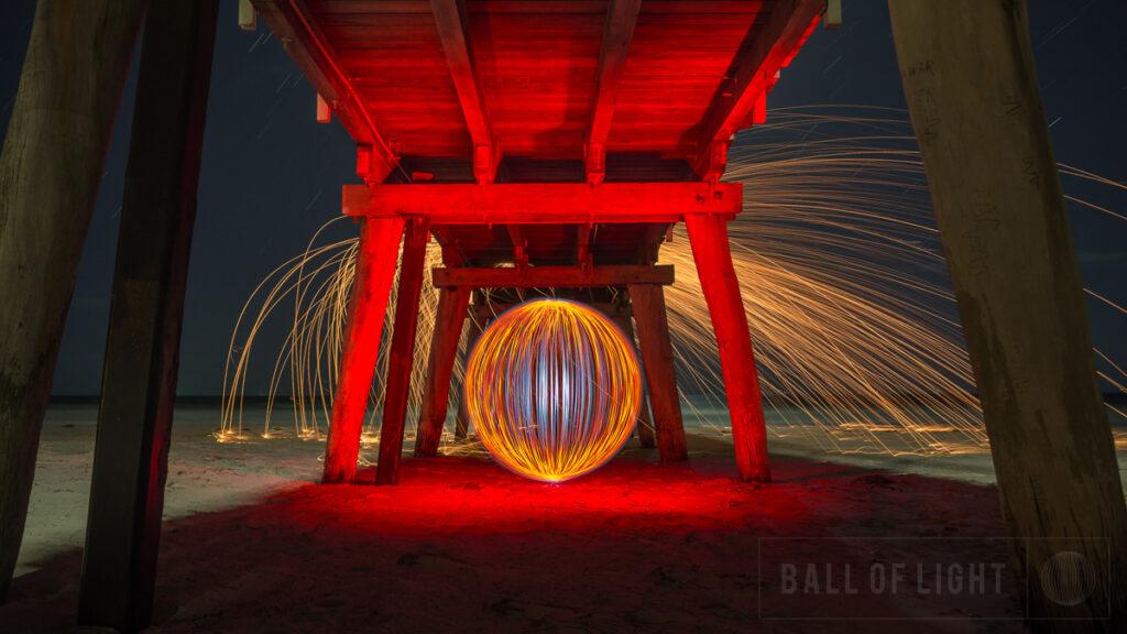 Необычные светящиеся фото Дениса Смита